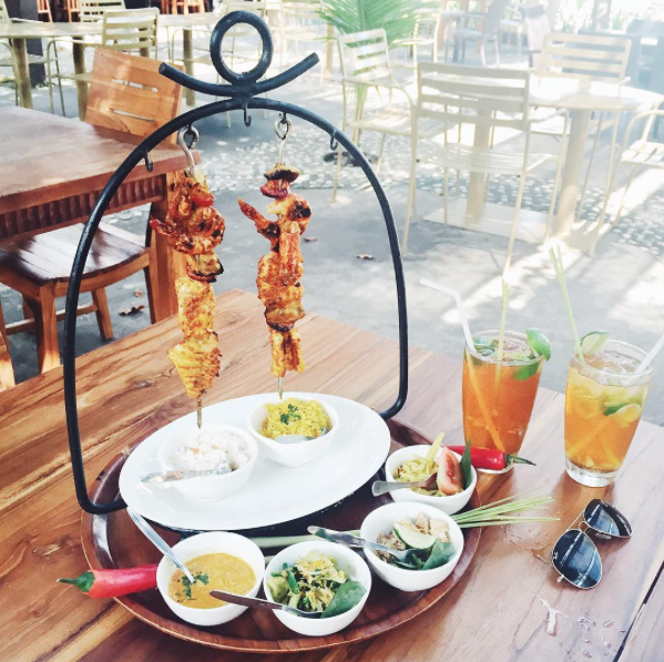 authentic_balinese_food_warung