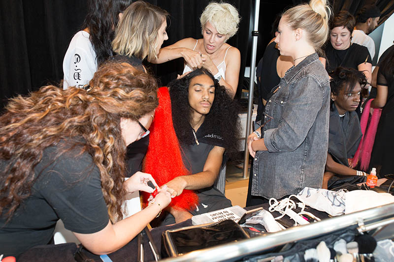 10 THINGS YOU NEED TO KNOW TO WORK FASHION WEEK