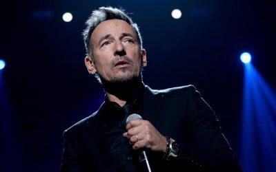 Bruce Springsteen Abandons Script to Address Border Crisis