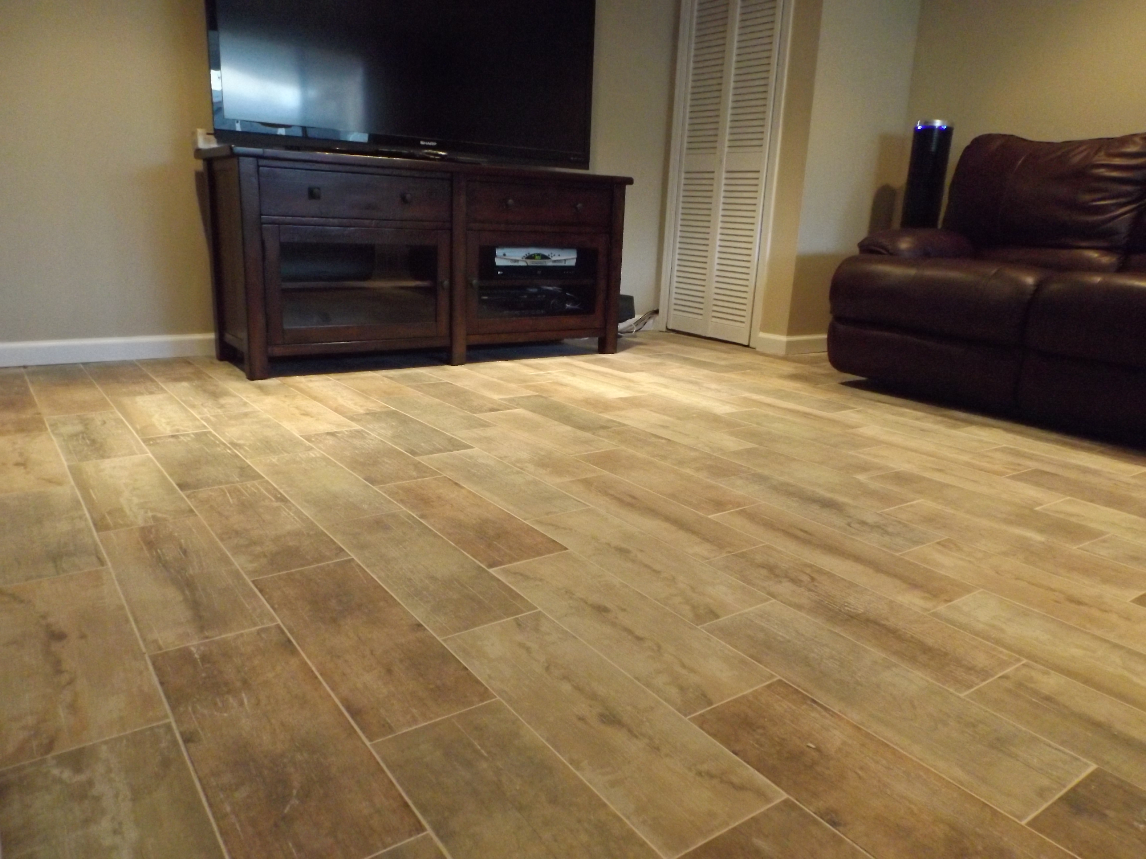 5 Reasons Wood Look Tile Beats Hardwood Flooring