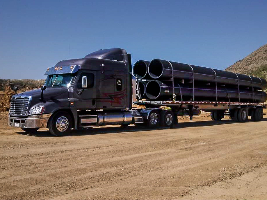 Frieghtliner Pipe Load