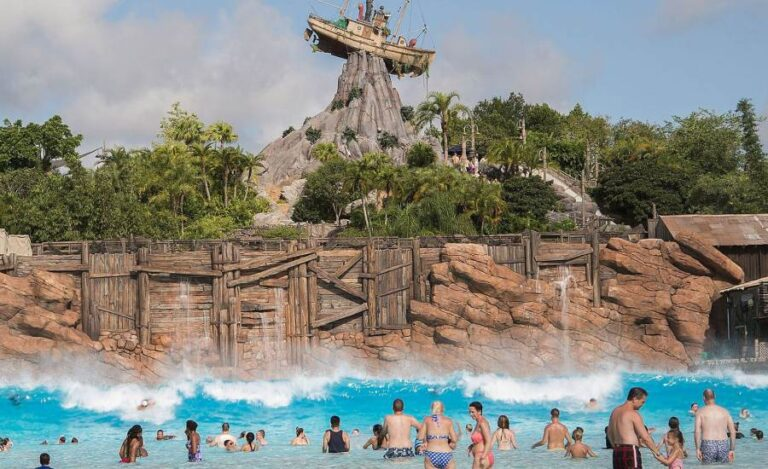 10 Dangerous Wave Pools You Might Not Want to Visit