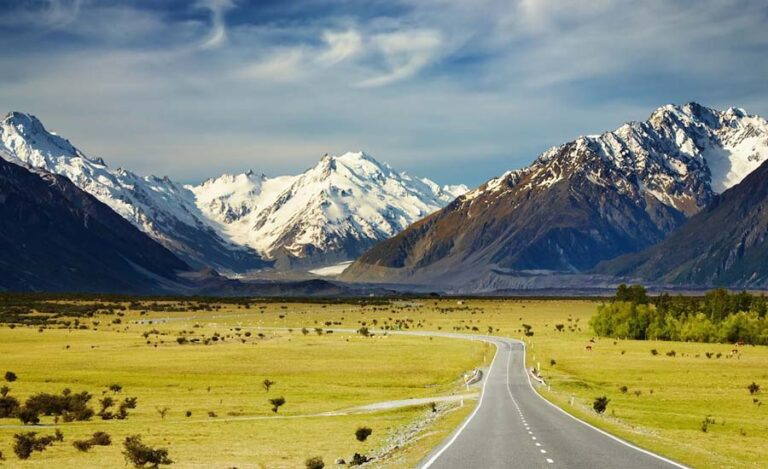 Top 10 Reasons Why You Want to Go New Zealand