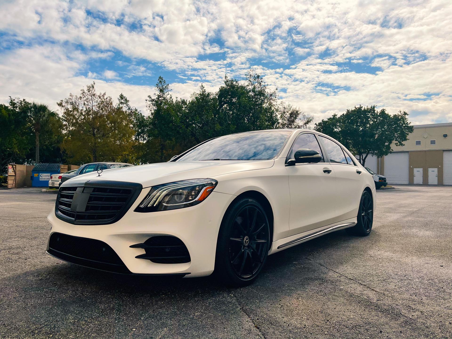 Mercedes-White