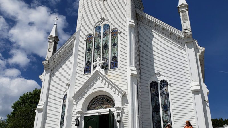 Mackinac-Island-church-800x450