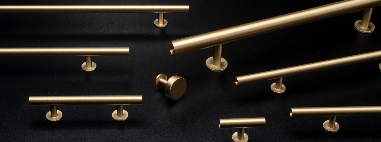Brushed Brass Round Bar Series