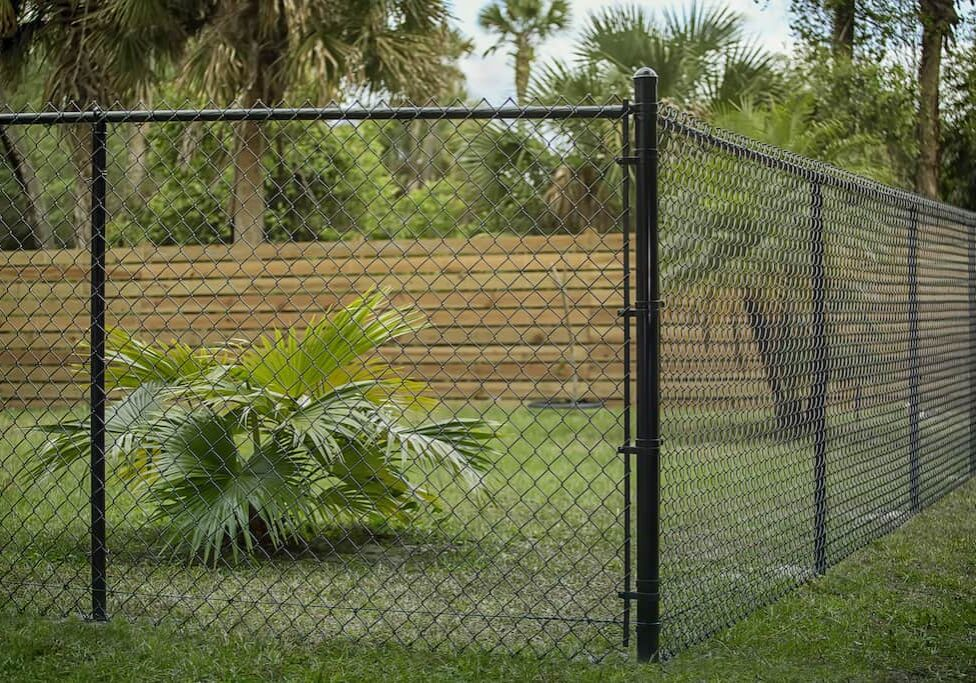 Chain link fence, chain link fence companies, metal chain link fence near Nicholasville, Kentucky (KY)