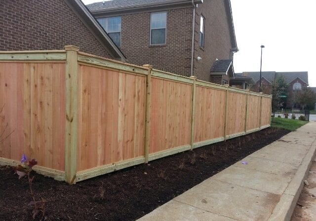 Residential fence, fence construction near me, fence contractor, privacy fence, wood fence near Nicholasville, Kentucky (KY)