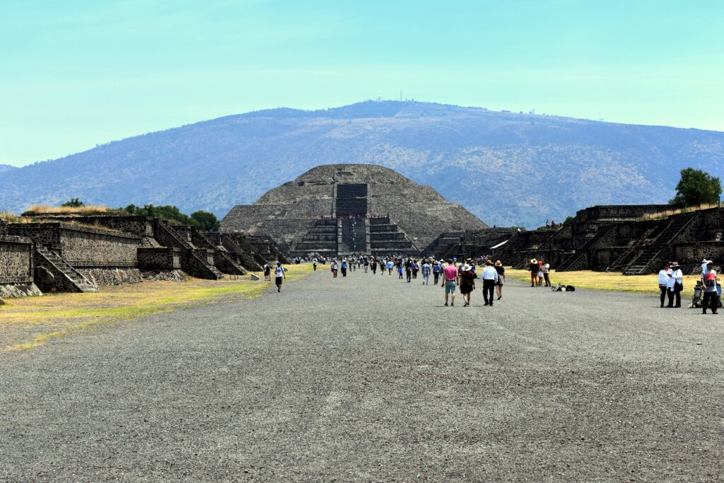 Great Discount Teotihuacan Pyramids Shrine Of Guadalupe Day Tour With Lunch Interliv Travel