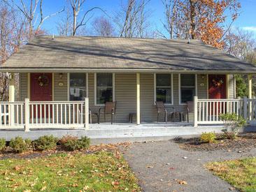 Woodfield Manor Duplex cottage
