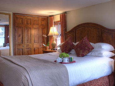 Woodfield Manor King suite