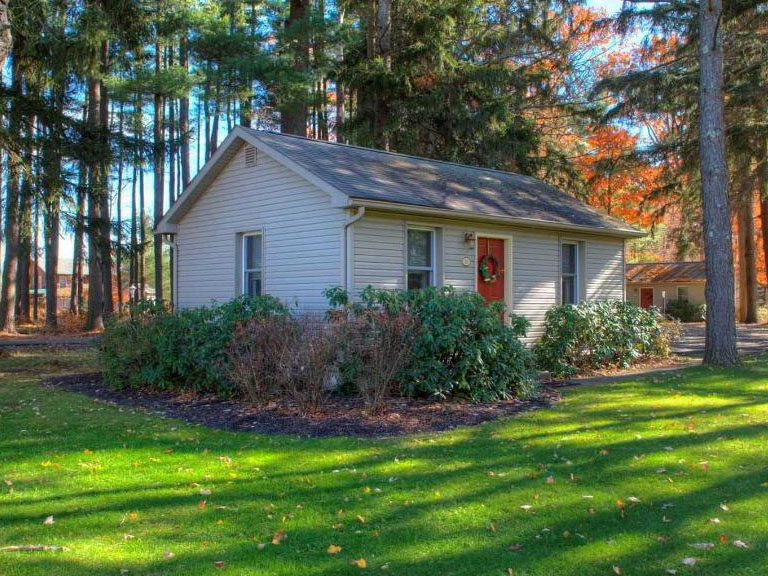 Woodfield Manor Queen Cottage