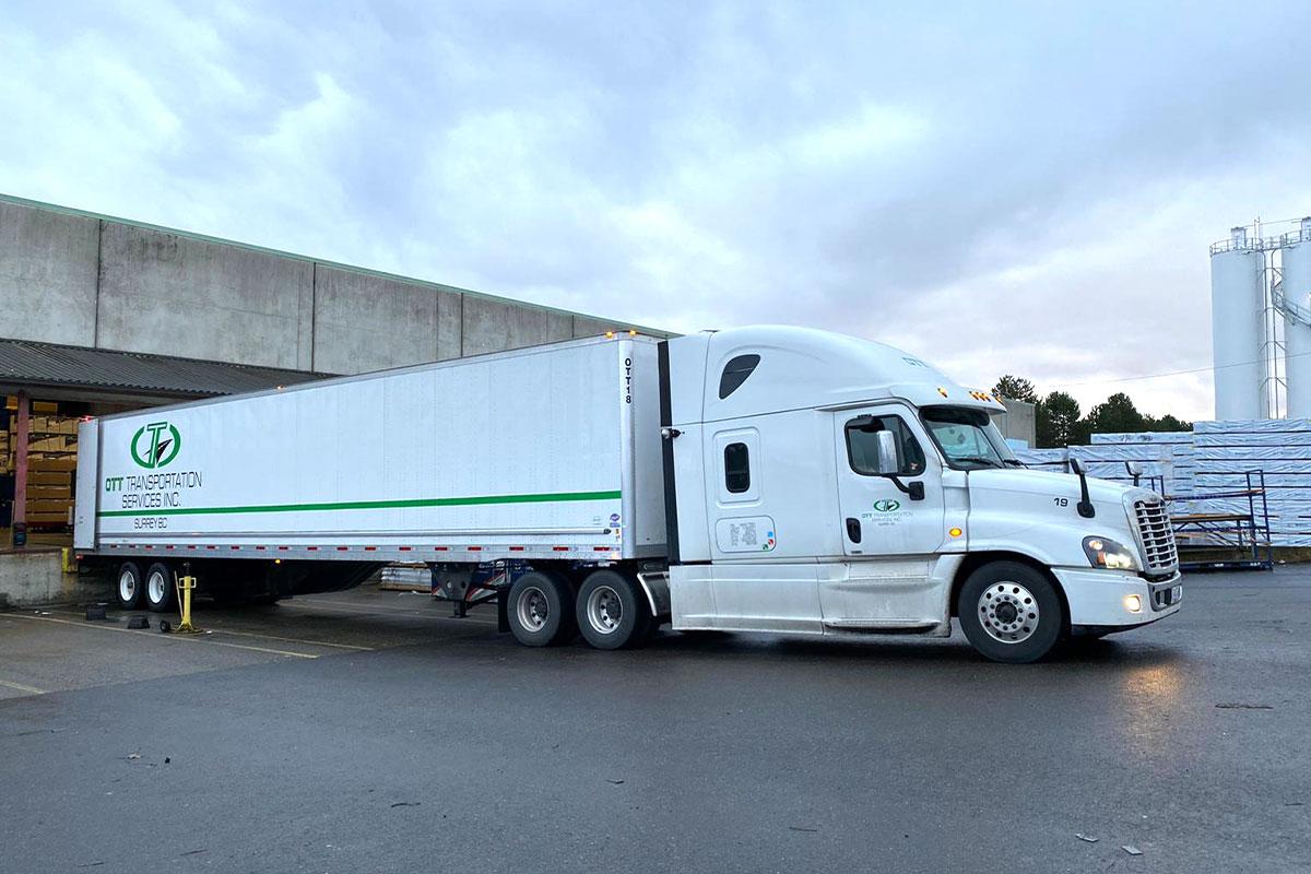 truck loading work