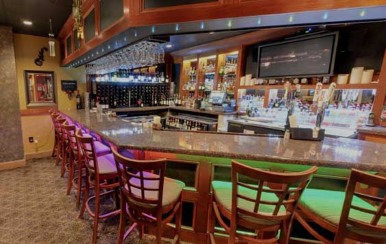 Full bar at da Vinci's Table Burlington