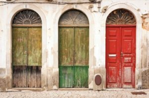 001 Three-Doors-small_jpg_pagespeed_ce_IQrytsB-xs