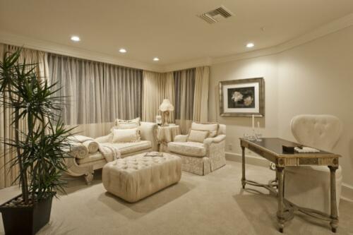 13 Master Sitting Room