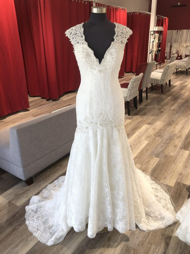wide cap sleeve lace mermaid wedding dress with beading in Oakland, CA
