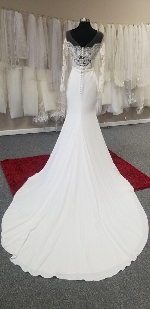 long-train-crepe-wedding-dress