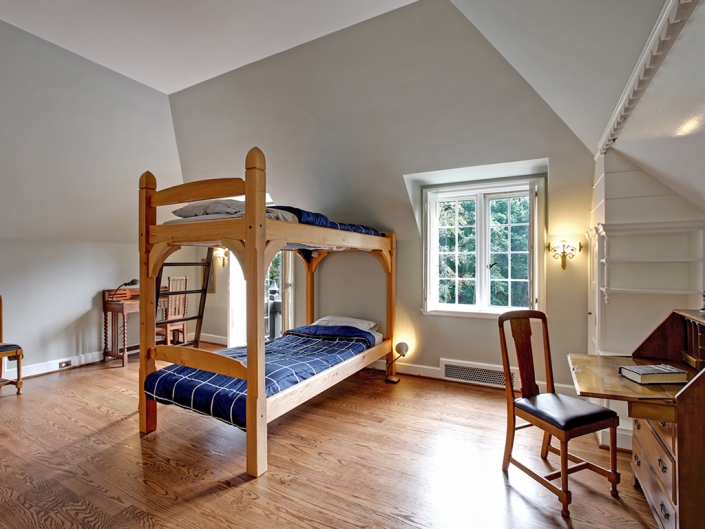 Taylor Made Retreat Addiction recovery shared bedroom in Portland Beaverton area