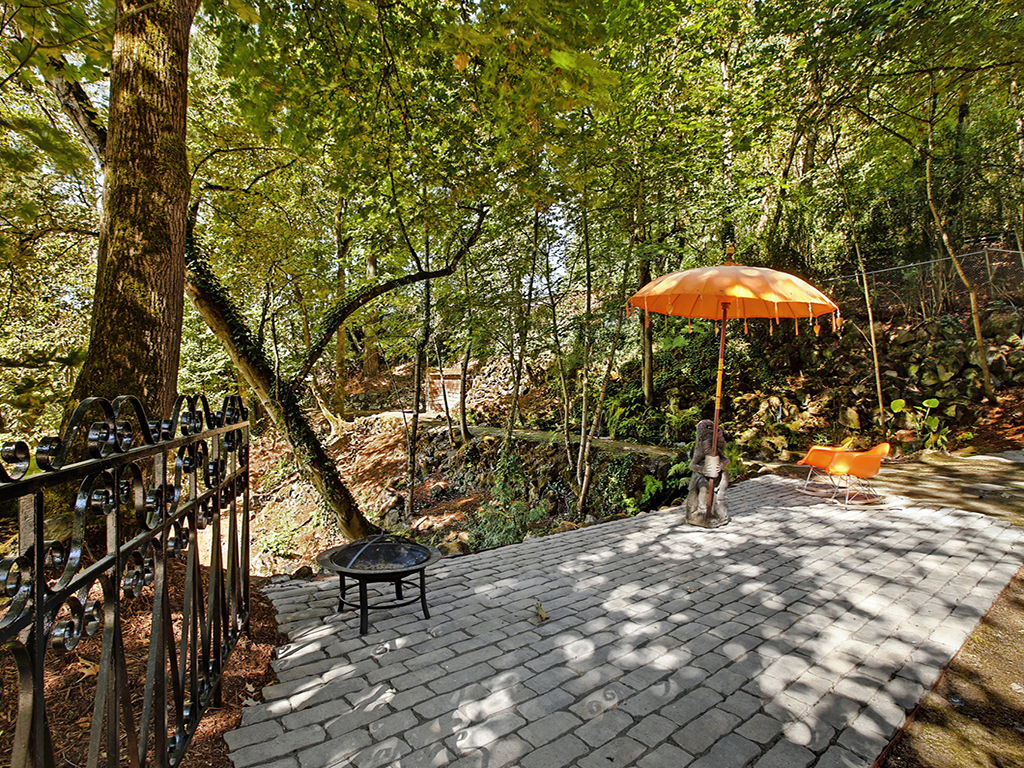 Taylor Made Retreat Addiction recovery outdoor quiet meditation spaces