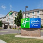 holiday-inn-express-and-suites-rogers-3606889805-4x3