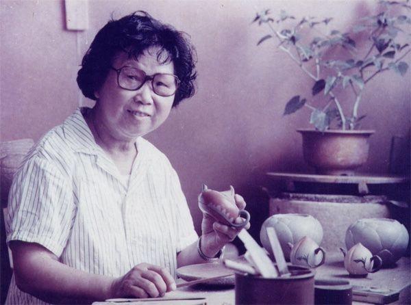蔣蓉-大紅袍-紫砂荷葉舊茶壺
