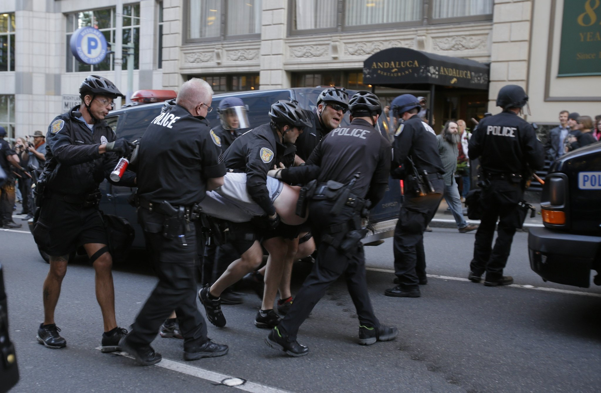 050113 - SEATTLE, WA - Police make an arrest in Times Square.