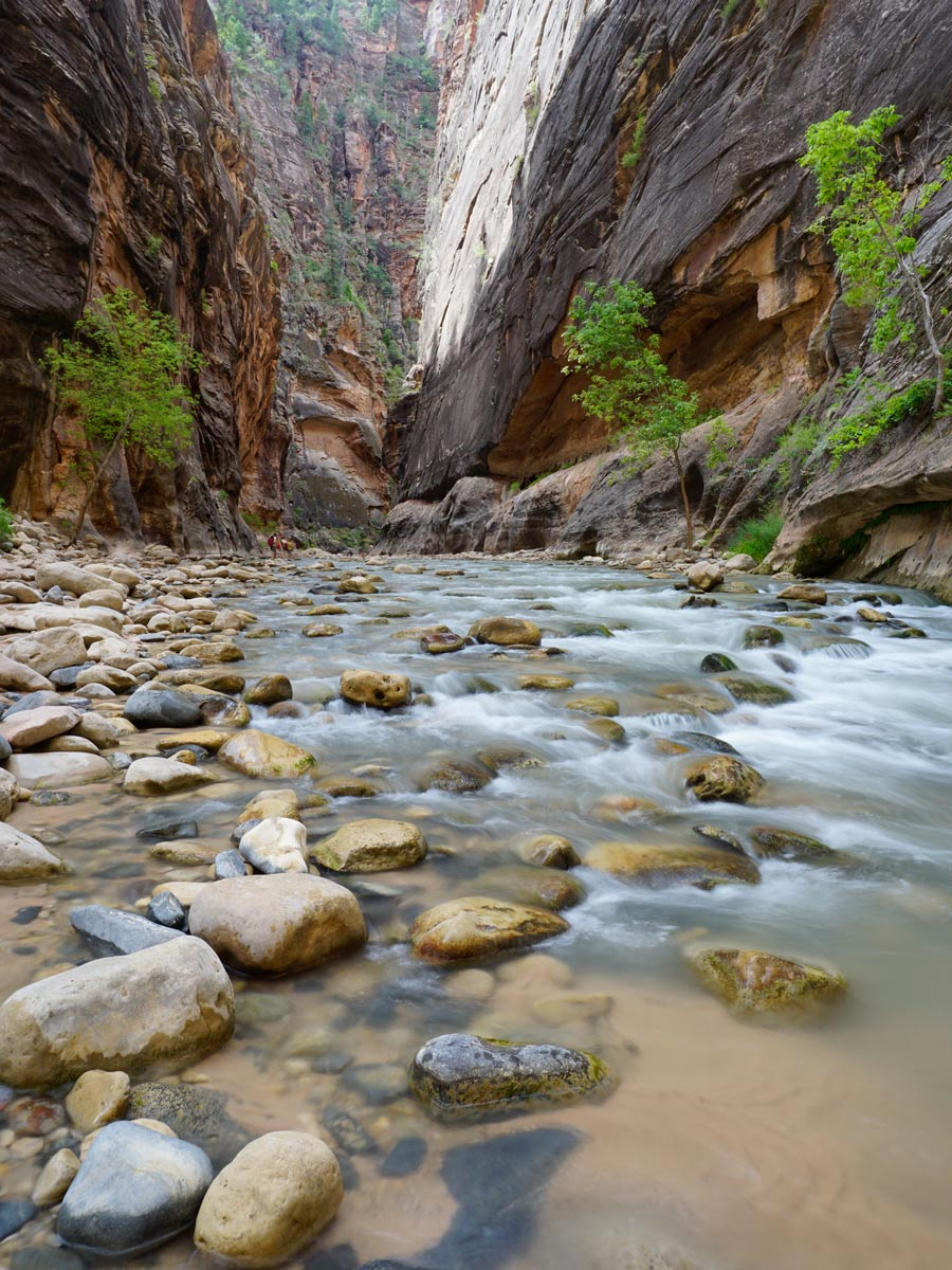 Zion-National-Park-Narrows-Hiking