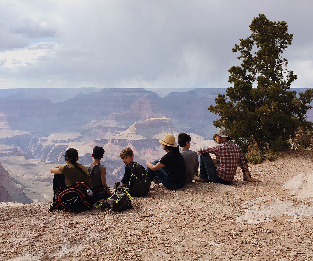 Grand-Canyon-Hiking-Rim-Trail-with-Kids