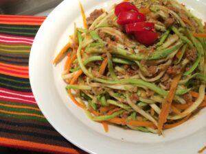 Sağlıklı alternatifler: Bolonez soslu kabak makarnası