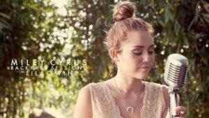 """Miley Cyrus """"Lilac Wine"""" söylüyor. İnanılmaz ama gerçekten güzel."""