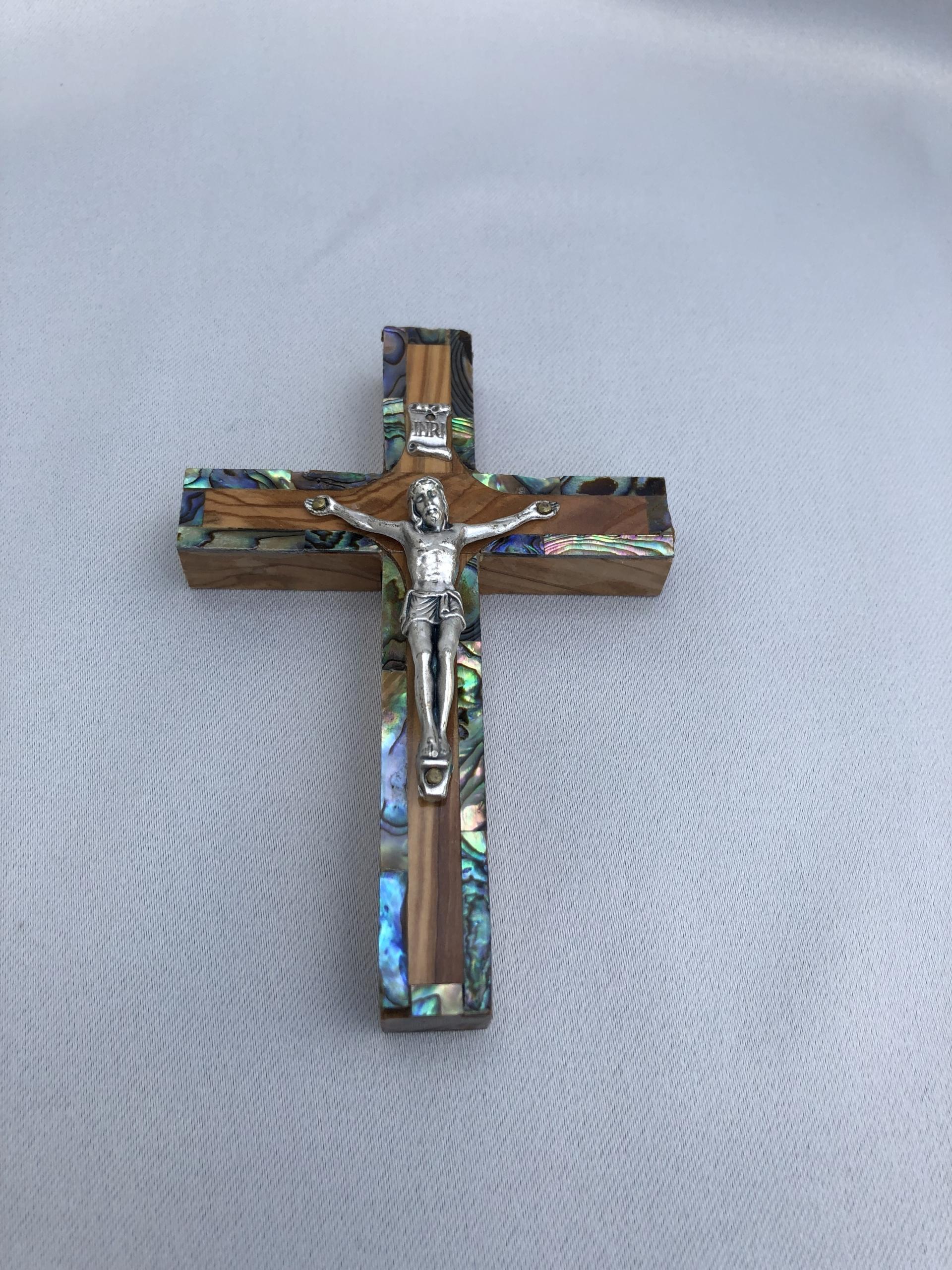 Latin Crucifix 12 cm Abalone line