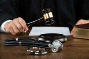 medical-malpractice-lawyers-640x427