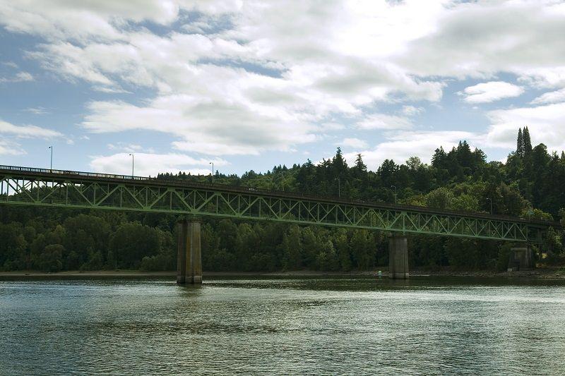 Sellwood-Bridge,-Portland-Oregon-cm