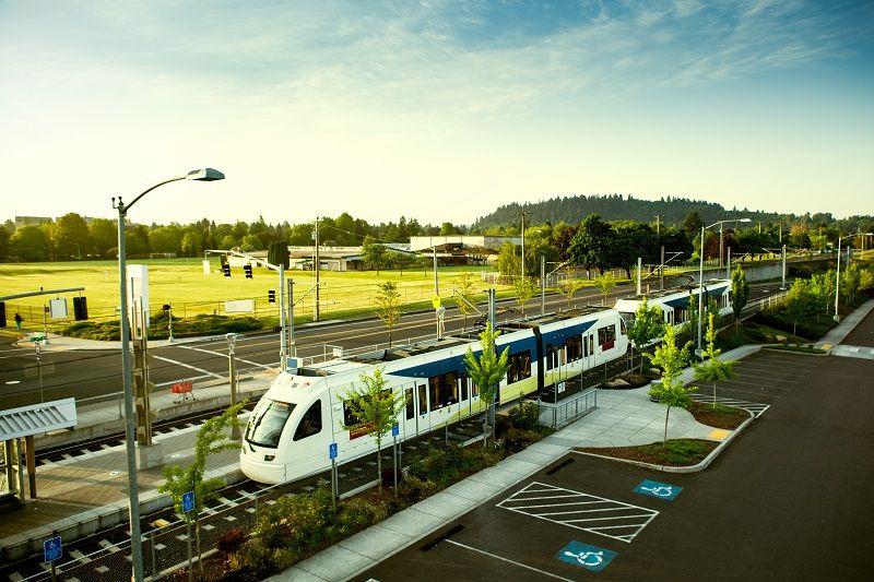 Light-Rail-Commuting-Portland-Oregon-cm