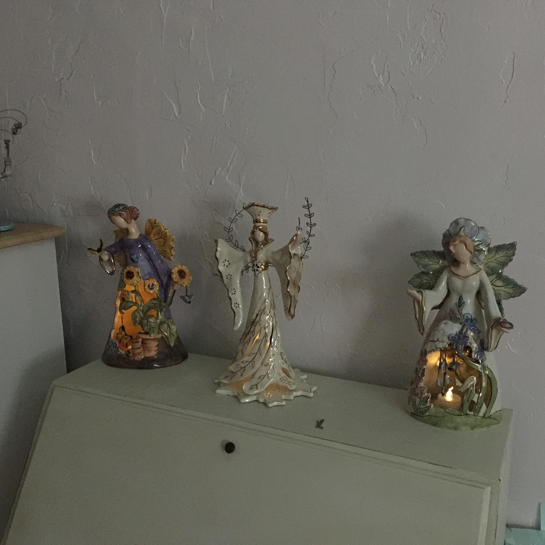 Shelf Angels