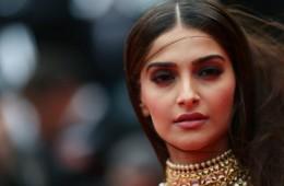 Sonam Kapoor Cannes 2014 red carpet fashion