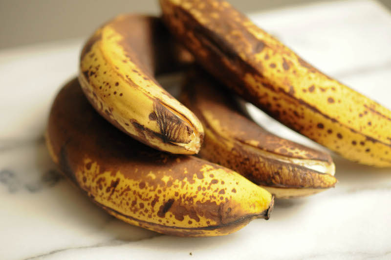DIY banana face mask