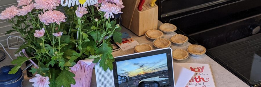 Lenovo Smart Display, Flic Buttons, Mother's Day Card, Mother's Day Flowers and Tarts on the Kitchen Counter