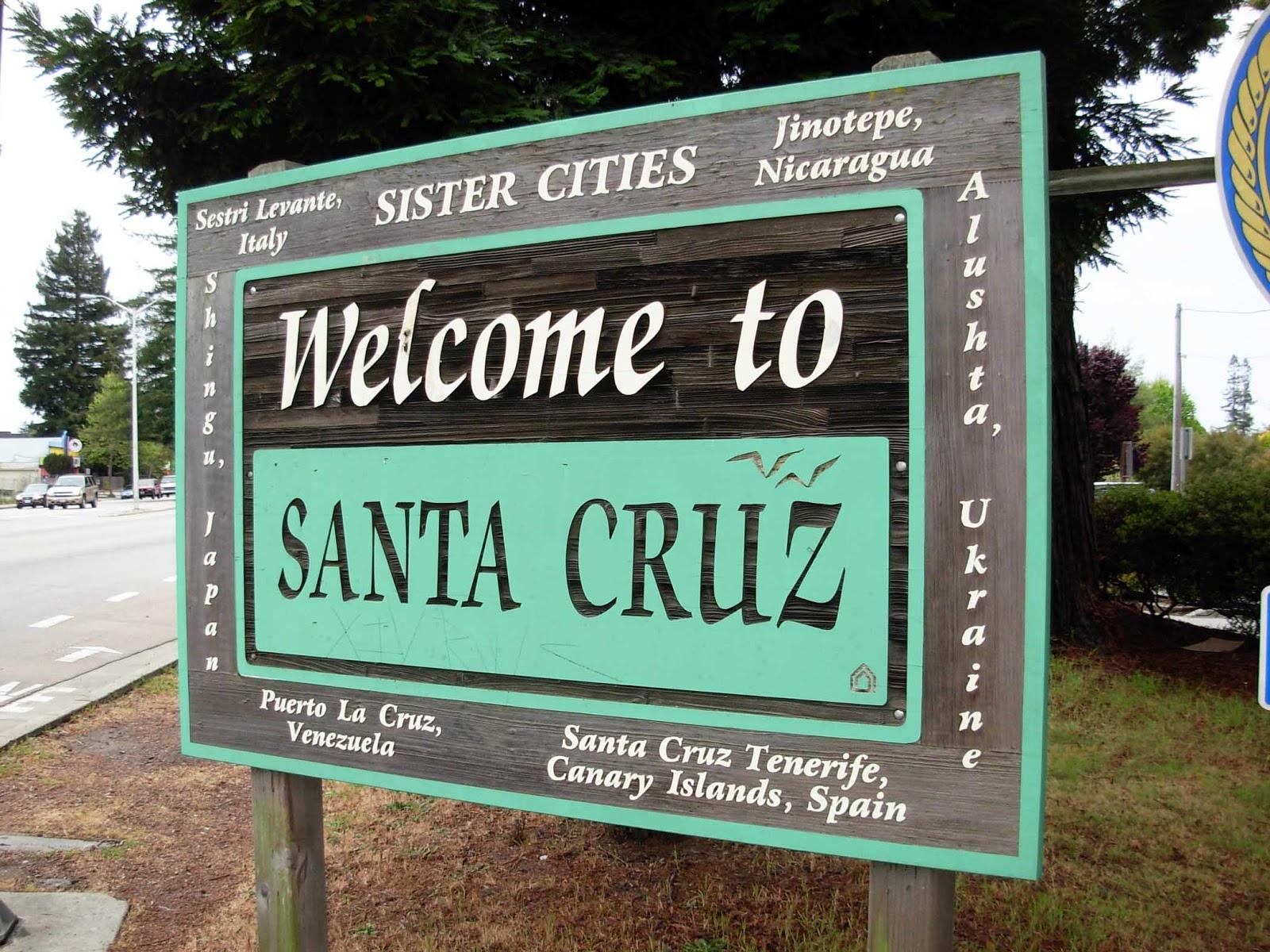 Welcome to Santa Cruz sign