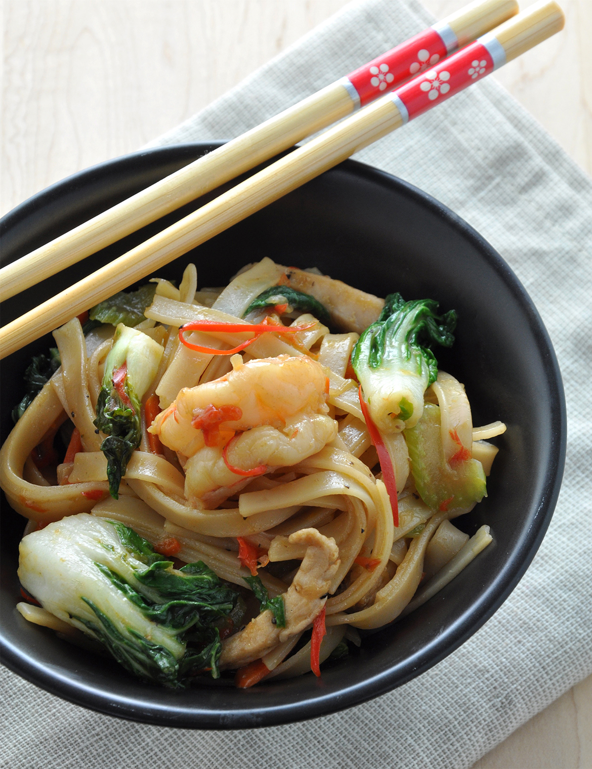Braised Rice Noodles with Choy Sum
