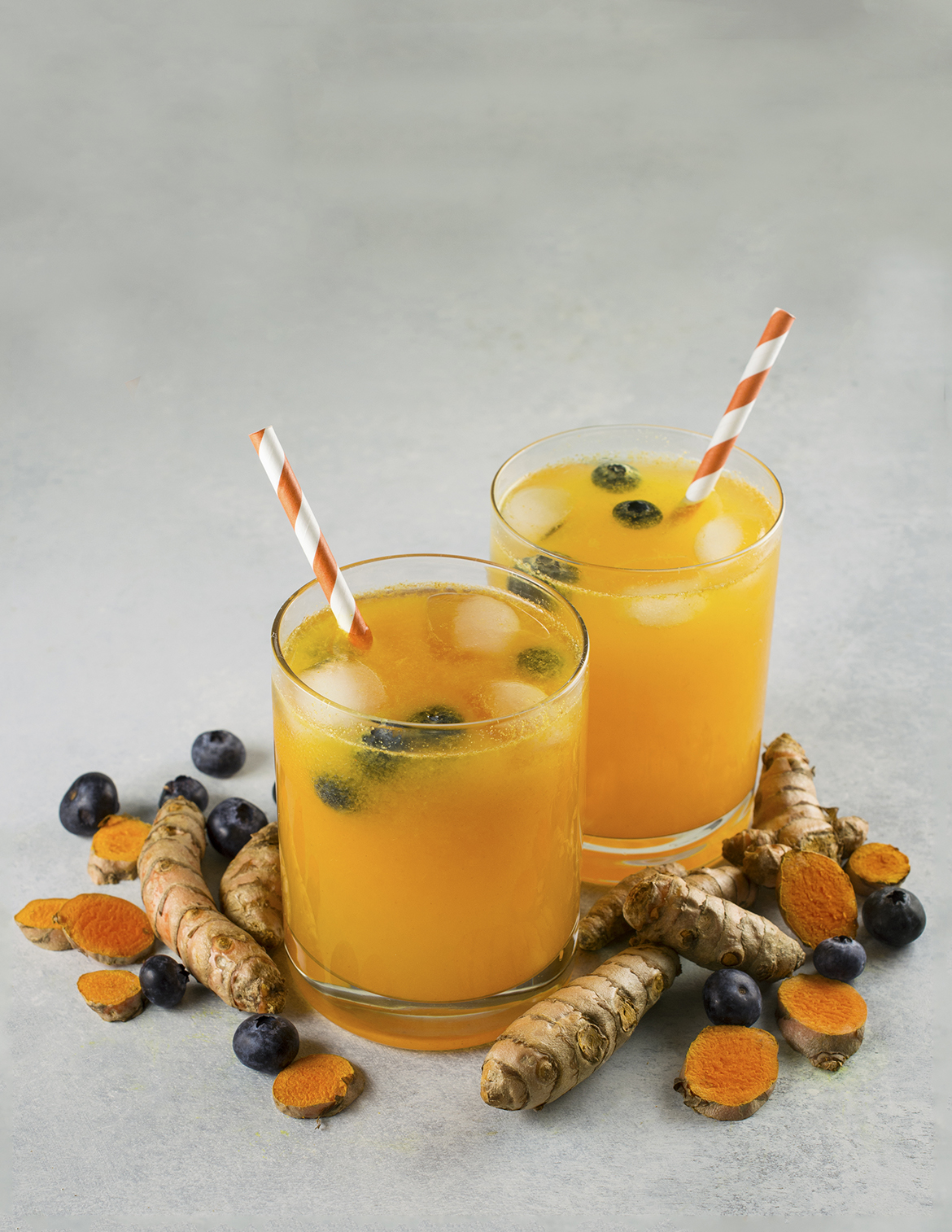 Turmeric Lemonade with Blueberries