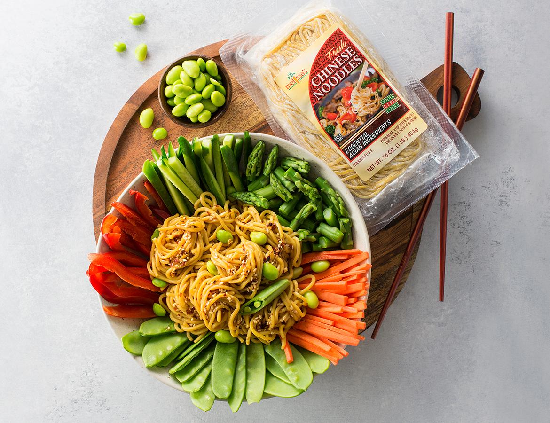冷中国面条沙拉|健康午餐,素食主义者,亚洲食谱