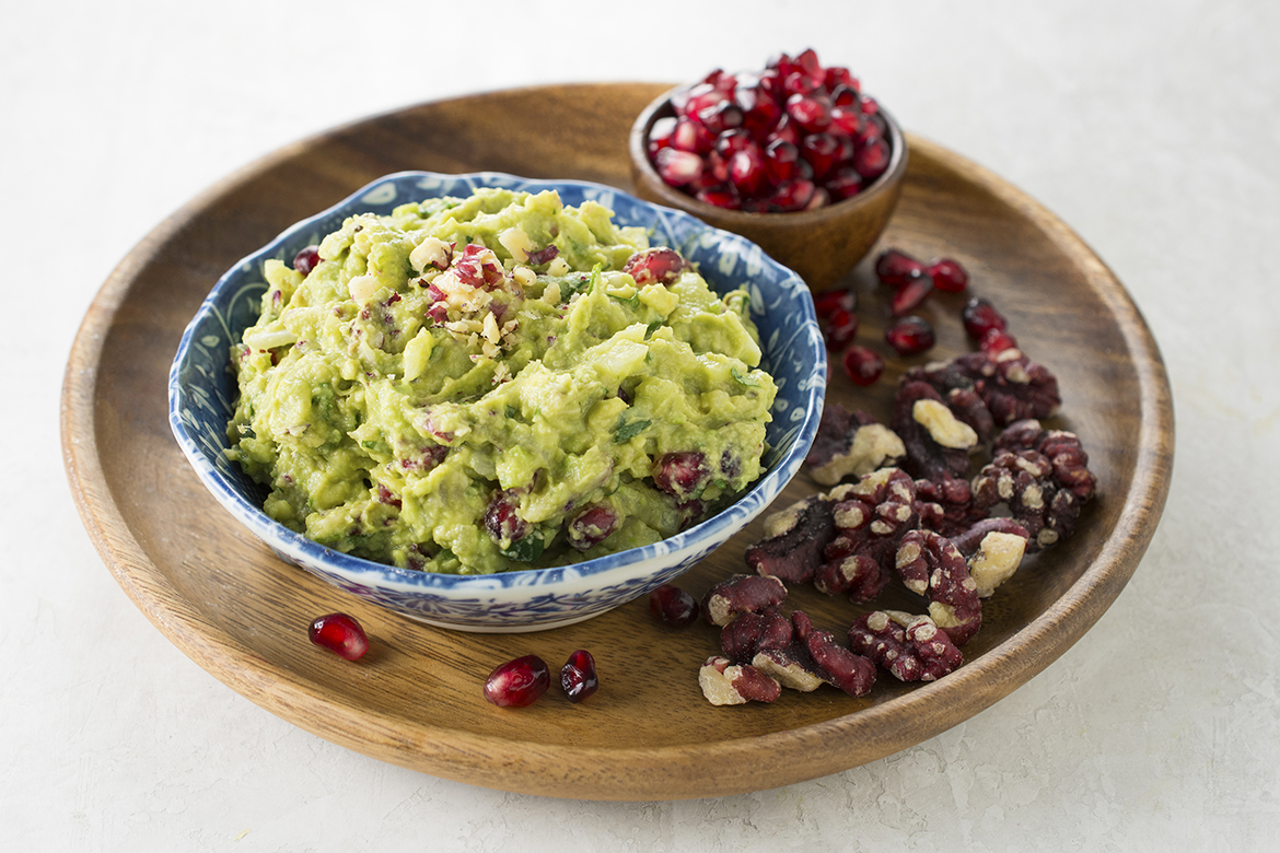 Pomegranate and Walnut Guacamole l pomegranate aril and red walnut guacamole dip