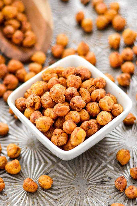 20 Healthy Tailgating Recipes that Score l crunchy roasted chickpeas