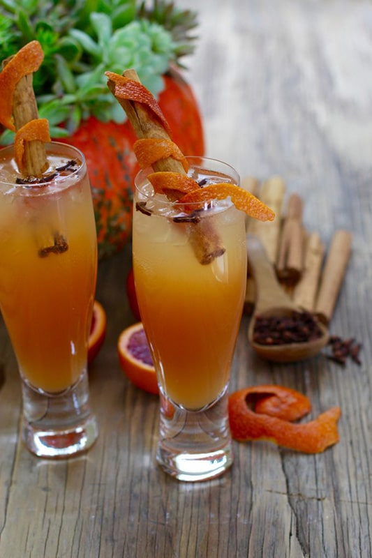 20+ Amazing Apple Recipes for Fall l fireball cinnamon apple cider fall cocktails