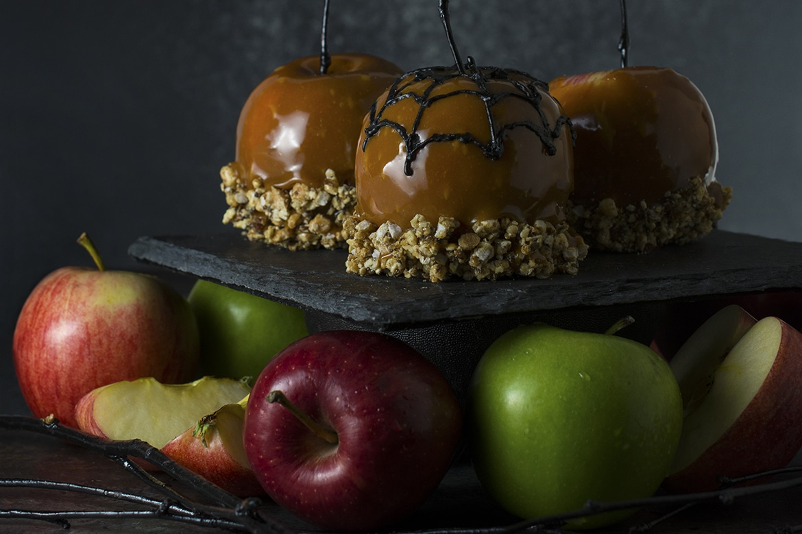 20+ Amazing Apple Recipes for Fall l caramel apples