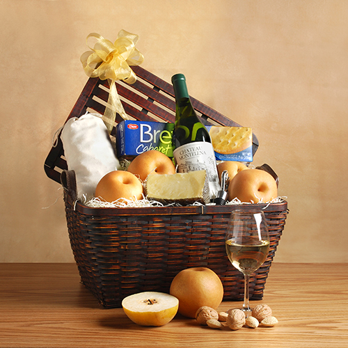 2018 Gift Guide for Food Lovers l Le Cellier du Chateau Gift Basket
