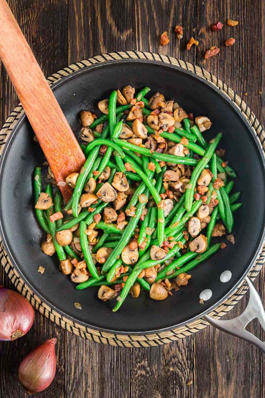 Healthy Thanksgiving Sides Recipe Roundup l savory sauteed green beans