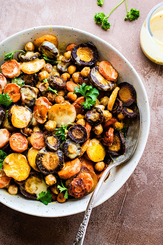 Healthy Thanksgiving Sides Recipe Roundup l turmeric roasted carrot chickpea salad